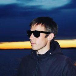 Молодой парень ищет девушку или женщину. Естественно для приятного времяпрепровождения. Новороссийск.