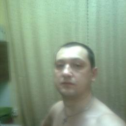 Парень из Новоросийска, ищу девушку для куни, люблю и умею это делать